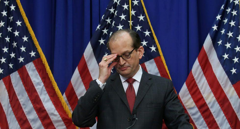 El secretario de Trabajo de EE.UU., Alex Acosta, defendió su manejo en 2008 del caso de tráfico sexual que involucra al magnate Jeffrey Epstein. (Reuters)