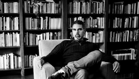 """Lorenzo Helguero (Lima, 1969) acaba de publicar """"Fundación"""" y admite que le gustaría despedirse así de la poesía para volcar su pluma a la narrativa."""