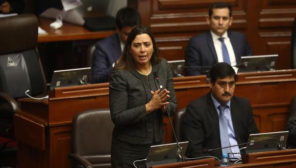 Karla Schaefer considera que falta explicitar como deberes de conducta el respeto y la defensa del Congreso de la República. (Foto: César Campos)