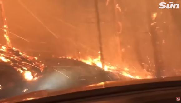 Luego de varios minutos de angustia buscando rutas para huir en auto, los Bilton pudieron salvarse de la muerte. (Foto: YouTube).