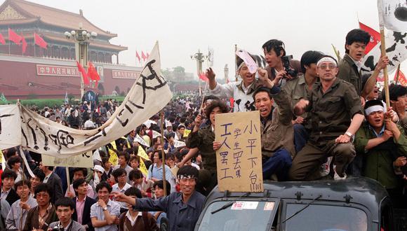 Durante varias semanas, millones de chinos, en su mayoría estudiantes, tomaron las calles de Beijing para protestar contra la corrupción y exigir mayor apertura. Las manifestaciones fueron reprimidas por el ejército violentamente. AFP FILES