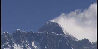 El coronavirus paraliza la actividad en torno al Everest