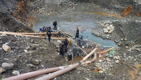 Golpe a minería ilegal en Puno: 50 motobombas fueron destruidas