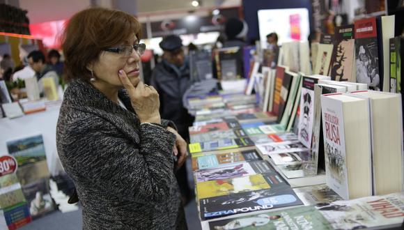Martín Vizcarra promulgó la Ley del Libro que fue aprobada el 8 de octubre a escasos días del vencimiento de los beneficios vigentes en favor del sector literario. (Foto: GEC)