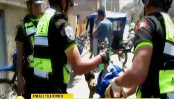 Ate Vitarte: rescatan a perro atropellado por mototaxi
