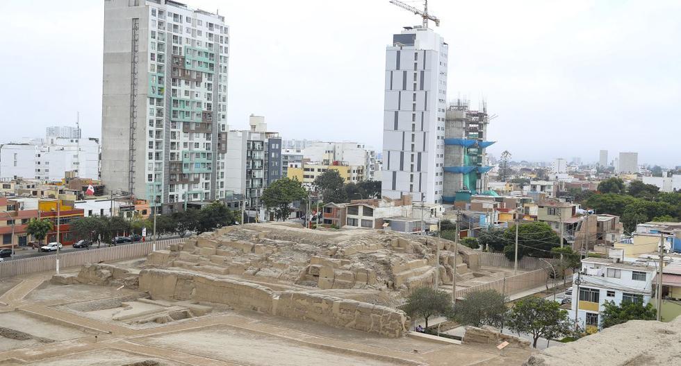 Se estima que la pirámide funeraria menor fue construida como un templete, pero fue reutilizada como cementerio cuando los incas asimilaron a los ichmas. (Foto: Giancarlo Ávila/El Comercio)