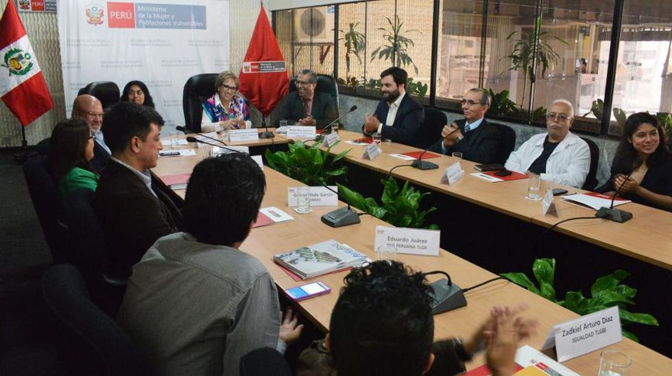 Sesionó grupo que promoverá derechos de comunidad GTBI - 2