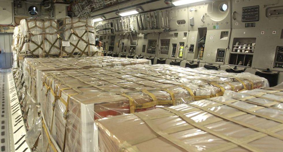 Crisis en Venezuela | Llega a Colombia el primer avión militar de Estados Unidos con toneladas de ayuda para Venezuela. (AP)