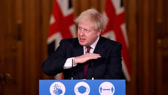 El primer ministro británico Boris Johnson anuncia las medidas para frenar al coronavirus. Estas entrarán en vigor desde mañana. REUTERS/Toby Melville/Pool