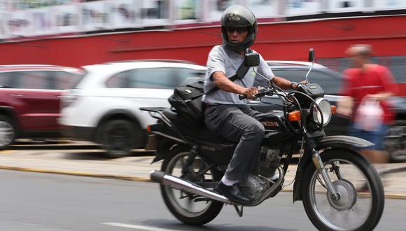Motociclistas deberán usar cascos y chalecos con número de placa, según norma publicada en el Peruano. (Manuel Melgar Rodriguez/ GEC)