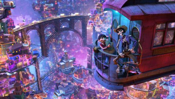 Una sola escena de 'Coco' requirió animar 7 millones de fuentes de luz. Ocurre cuando el protagonista llega al mundo de los muertos, donde encuentra a sus ancestros. (Foto: Pixar)
