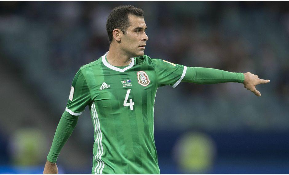 En su carácter de líder histórico de la selección mexicana, el experimentado Rafael Márquez habló con dureza con los miembros implicados en la controversial reunión antes de partir a Rusia 2018. (Foto: EFE)