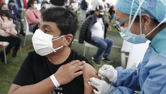 Este sábado continúa inmunización para personas de 47 años a más que deban recibir su segunda dosis, informa el Minsa. (Foto: César Campos/@photo.gec)