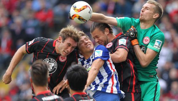 Eintracht Frankfurt sin Zambrano empató 1-1 ante Hertha Berlín