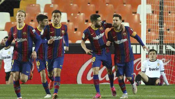 Lionel Messi recibió en su casa a la plantilla de Barcelona. (Foto: AP)