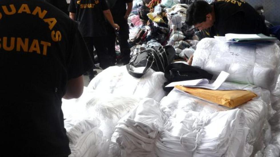 Decomisan más de 2 toneladas de ropa usada y pirotécnicos - 1