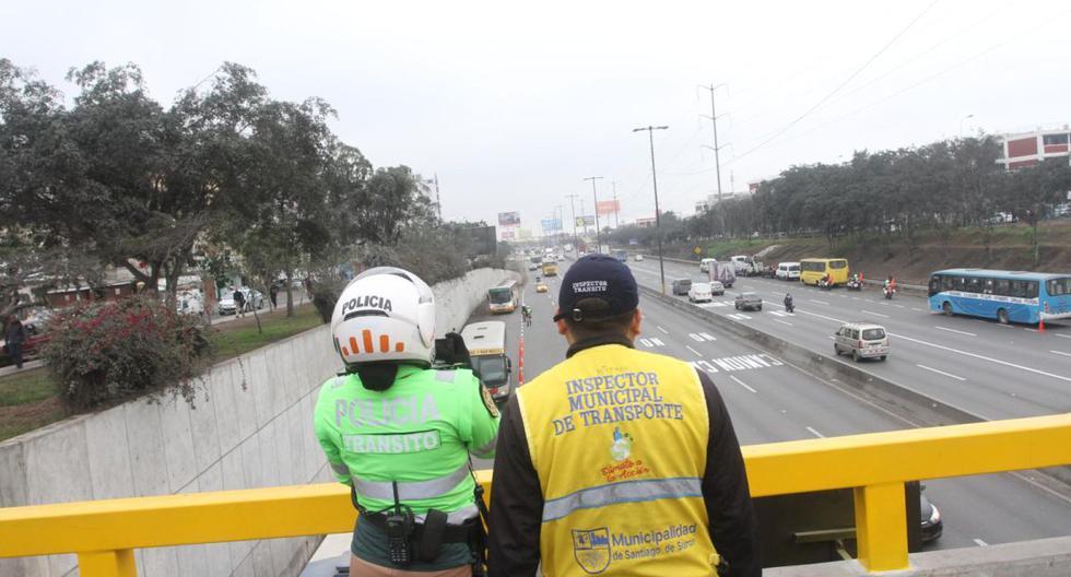 De acuerdo con la disposición de la Municipalidad Metropolitana de Lima (MML), 'pico y placa' se ejecuta de lunes a jueves, de 6:30 a.m. a 10:00 a.m. y de 5:00 p.m. a 9:00 p.m. (GEC)
