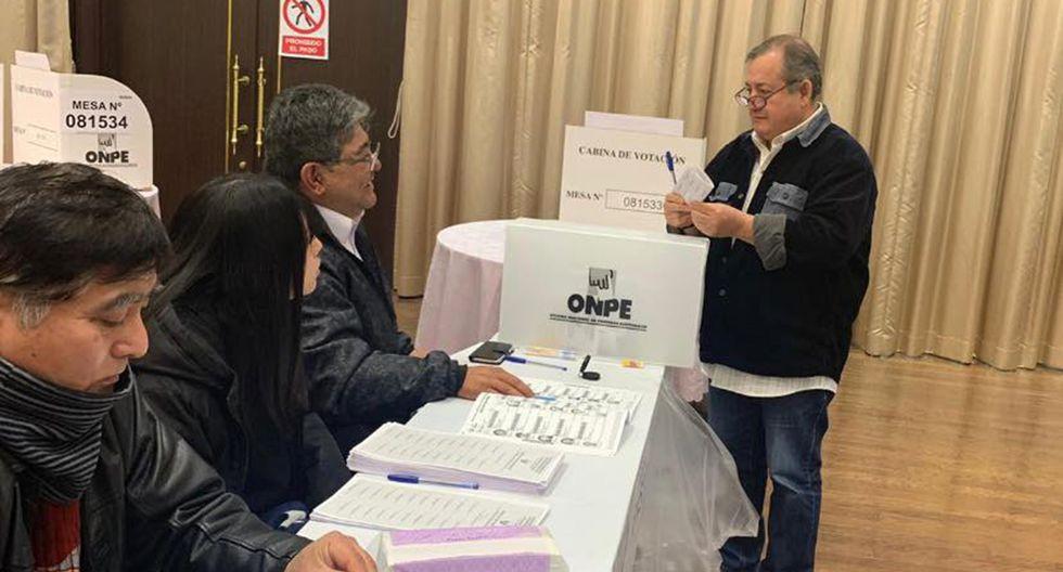 Los peruanos en Japón ejercen su derecho a voto en las Elecciones Congresales 2020. (Foto: Facebook ONPE)