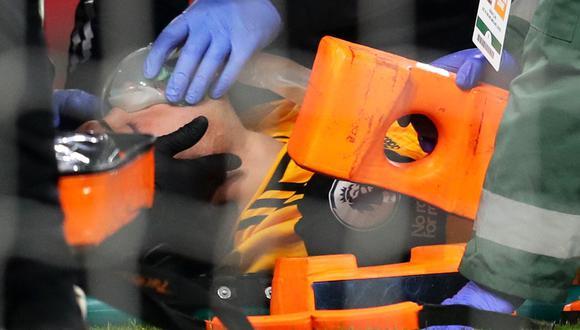 Raúl Jiménez fue operado con éxito luego de sufrir un duro golpe en la cabeza en el Wolverhampton vs. Arsenal | Foto: REUTERS