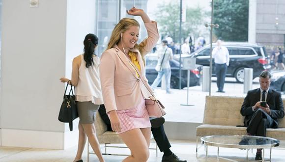 """""""I Feel Pretty"""" es una película estadounidense de comedia escrita y dirigida por Abby Kohn y Marc Silverstein. (Foto: STXfilms)"""