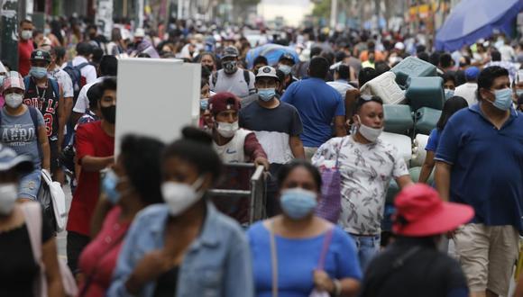 La vulnerabilidad a los rebrotes y las demoras en vacunarnos, forzarán que los candidatos coloquen a la pandemia en el debate electoral. (Foto: GEC)
