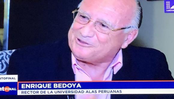 El programa Punto Final denunció la existencia de una red internacional de títulos falsos en la que participaría el rector de la universidad Alas Peruanas. (Captura Latina)
