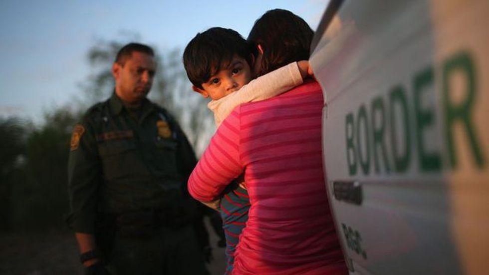 La política migratoria de la administración Trump ha causado mucha controversia, especialmente en cuanto a la separación de menores de sus padres. Foto: Getty images, vía BBC Mundo