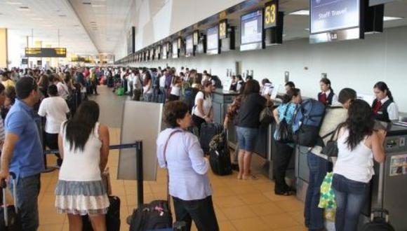 Más de tres millones de peruanos emigraron al extranjero y no han retornado