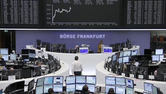 El índice DAX 30 de la bolsa de Frankfurt anotó una subida de 2.63% este viernes. (Foto: Reuters)