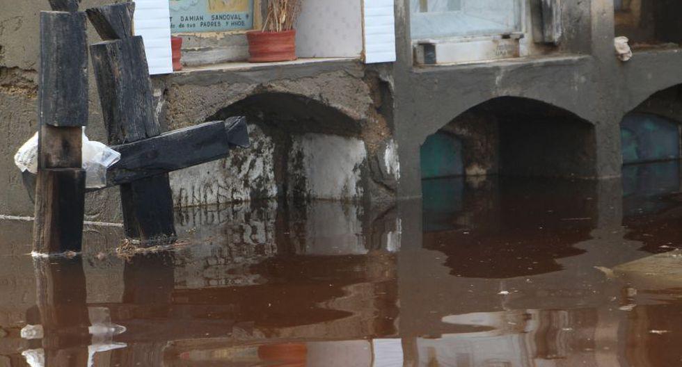 Cementerio de Túcume queda inundado por lluvias y se desploma - 11