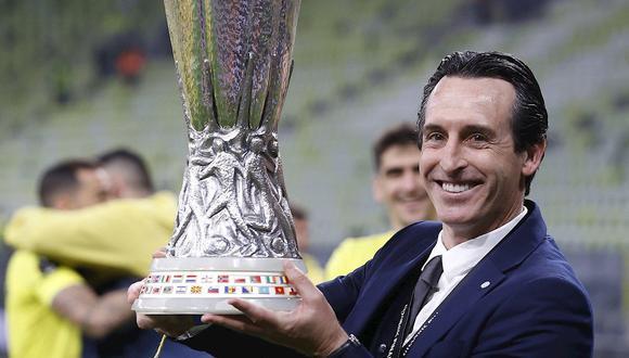 Unai Emery levantó su cuarto título de Europa League. (Foto: EFE)