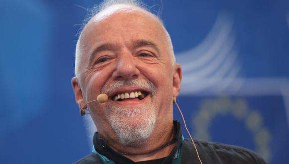 """Paulo Coelho: """"No es verdad que la gente es pirata y no paga"""""""