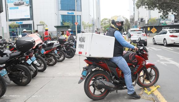 Los servicios de deliverys de farmacias y restaurantes deberán regirse por determinados horarios durante la cuarentena total por Semana Santa. (Foto: GEC)