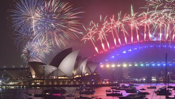 Sídney prohíbe asistencia de público a los tradicionales fuegos artificiales de Año Nuevo por el aumento de casos de coronavirus. (Foto: PETER PARKS / AFP).