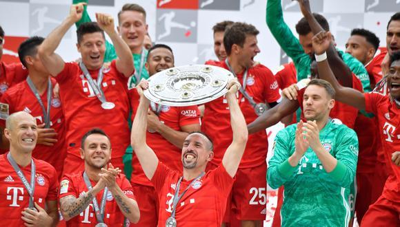 Ribery levantando su última Bundesliga con el Bayern Múnich. (Foto: AFP)
