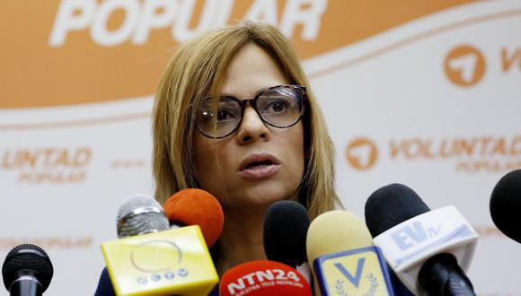 Imagen de archivo de la abogada Ana Leonor Acosta habla durante una rueda de prensa en Caracas, Venezuela. (EFE/Leonardo Muñoz).
