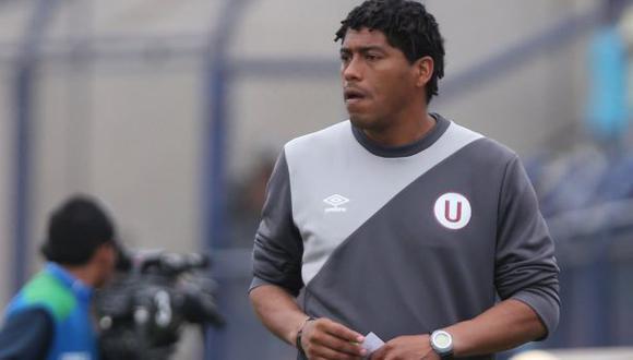 Juan Pajuelo dirigió al primer equipo de la 'U' por primera vez luego de la partida de Nicolás Córdova del banquillo merengue. (Foto: GEC)