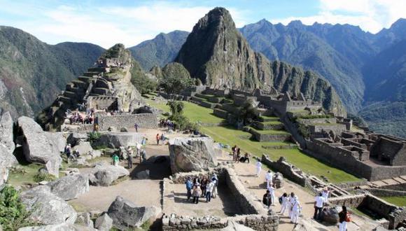 """CNN sostiene en su nota que """"cinco mil personas por día visitaron Machu Picchu en 2016, el doble del número recomendado por la Unesco"""". Agrega que """"si bien las nuevas restricciones apuntan a detener la sobrepoblación, los efectos aún están por verse"""" (Foto: archivo)"""
