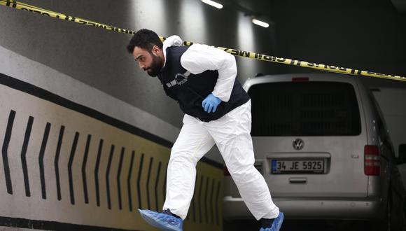 Jamal Khashoggi: Turquía halla pertenencias del periodista en un auto del consulado saudí en Estambul que fue abandonado en un estacionamiento. (AP).