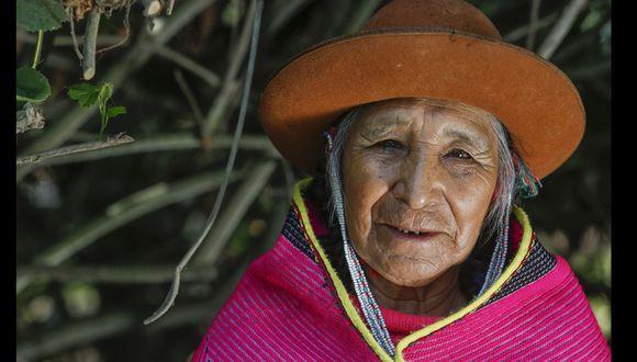 María Apaza tiene 91 años y es la única mujer altomisayoc (sacerdotisa espiritual) de la nación Q'ero. El grupo Rimayni la trajo a Lima para que celebre ceremonias y retiros de iniciación. (Foto: Hugo Pérez)