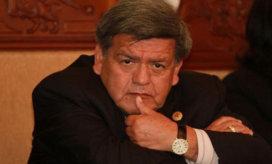El Congreso investigará las subvenciones que dio César Acuña