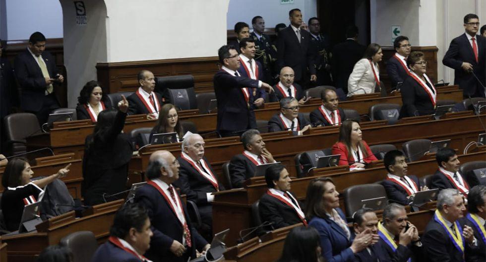 La bancada de Fuerza Popular reaccionó con gritos y críticas ante el anuncio de Vizcarra de proponer el adelanto de elecciones al 2020. (Foto: Anthony Niño de Guzmán / GEC)