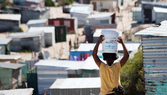 ¿Y si la pobreza resultara ser la mejor defensa contra la covid-19? (AFP).