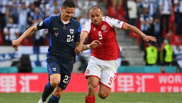 El Dinamarca-Finlandia se interrumpió antes del final del primer tiempo por el desmayo de Eriksen. (Foto: AFP)