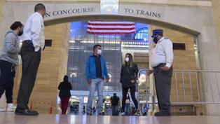 Metro de Nueva York ofrece viajes gratis para quienes se vacunan contra la COVID-19