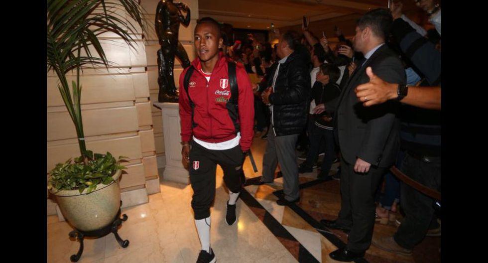 Selección peruana fue recibida en hotel por cientos de fanáticos. (Foto: Selección Peruana)