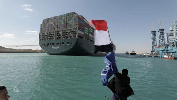 """El Ever Given fue """"liberado"""" en el Canal de Suez. (Reuters)."""