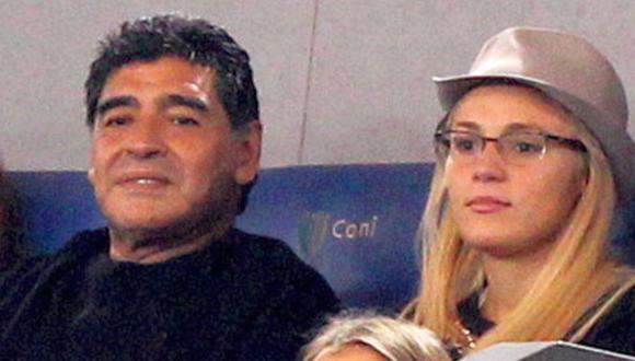 Diego Maradona acusa por hurto a su ex novia en Dubái