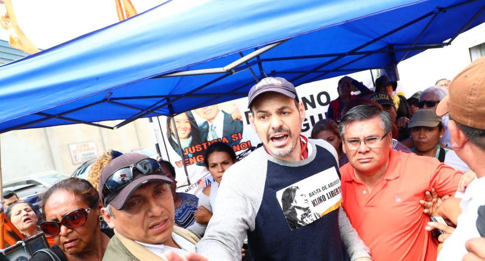 Mark Vito permanecerá en los exteriores del penal Anexo de Mujeres de Chorrillos. (Foto: Alessandro Currarino)