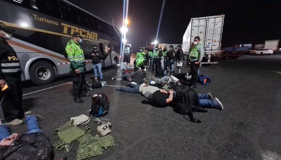 12 sujetos fueron intervenidos por viajar armados en bus interprovincial en Pucusana (PNP)